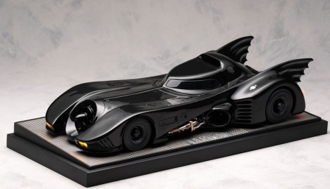 Batmobile - Batman Returns Prop Replica Warner Brothers and DC Comics