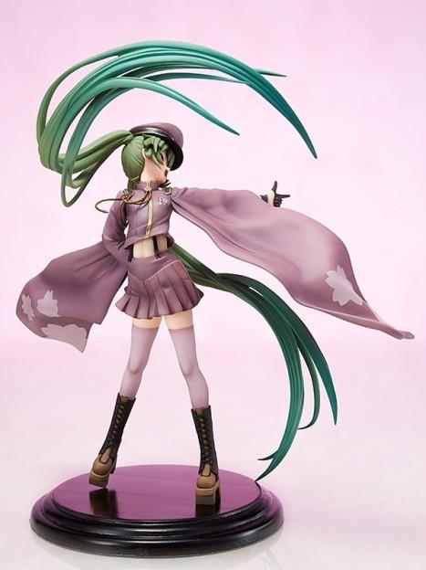 Hatsune Miku Senbonzakura ver. - Vocaloid 18 Pre-Painted Figure 4